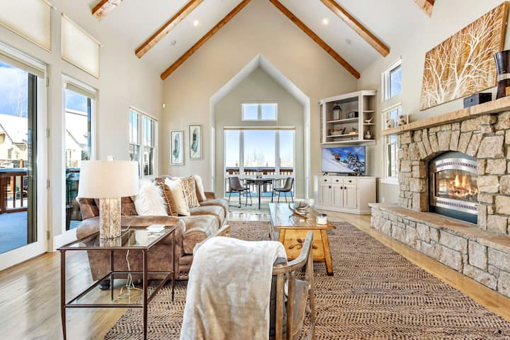Idyllic Mtn Getaway, 15 Minutes from Restaurants and Shopping in Edwards, Close to Bvr Crk & Vail!