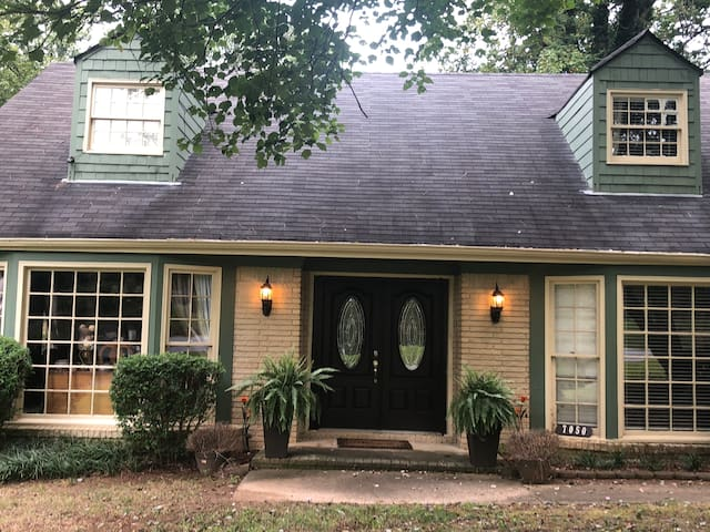 LARGE room in Austell (up to 4 ppl)