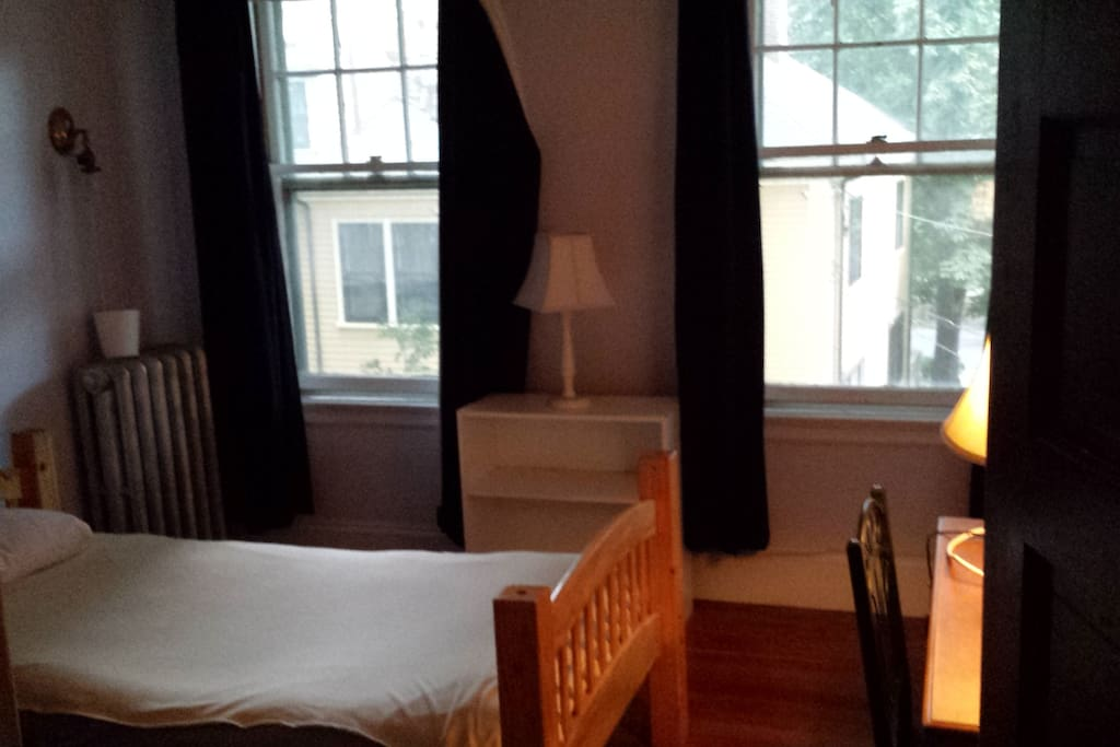 quiet room for 1 overlooking Emerson Park with medical professionals in clean ,safe, home.