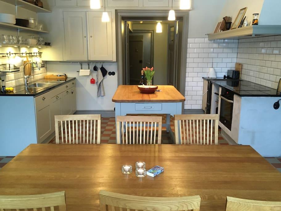 Köket, plats för 8