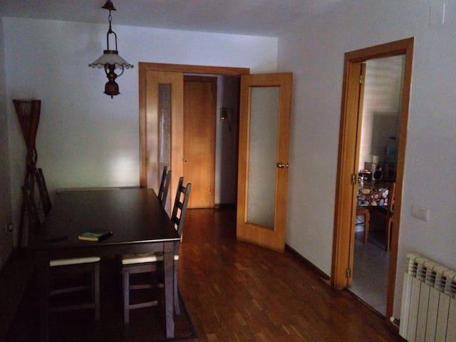 Habitación individual en apartamento de 80m2