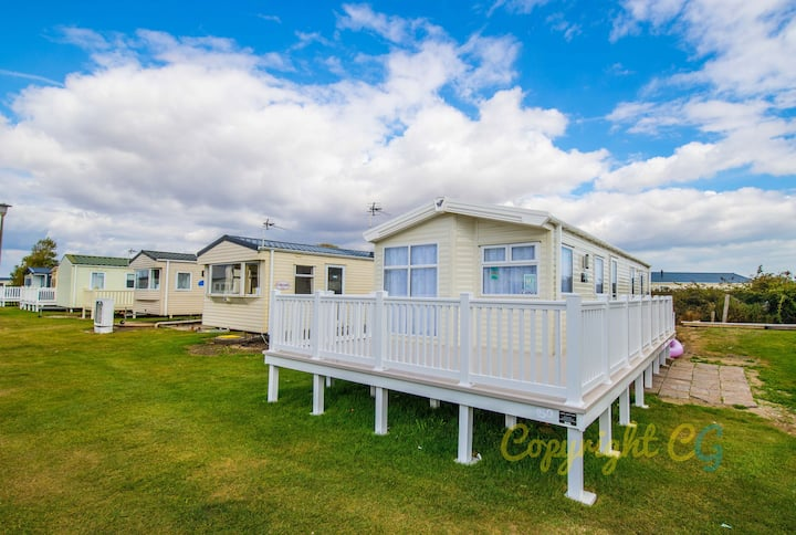 WW150 - Camber Sands Holiday Park - Large Gated Decking - Surrounded by Lots of Grassy areas