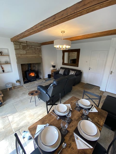River Holme Cottage : A luxury renovated getaway