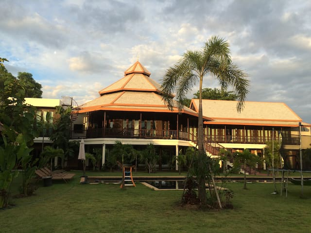 Big Dreamhouse Chiang Mai in Nature, Huge Pool - Chiang Mai - Dom