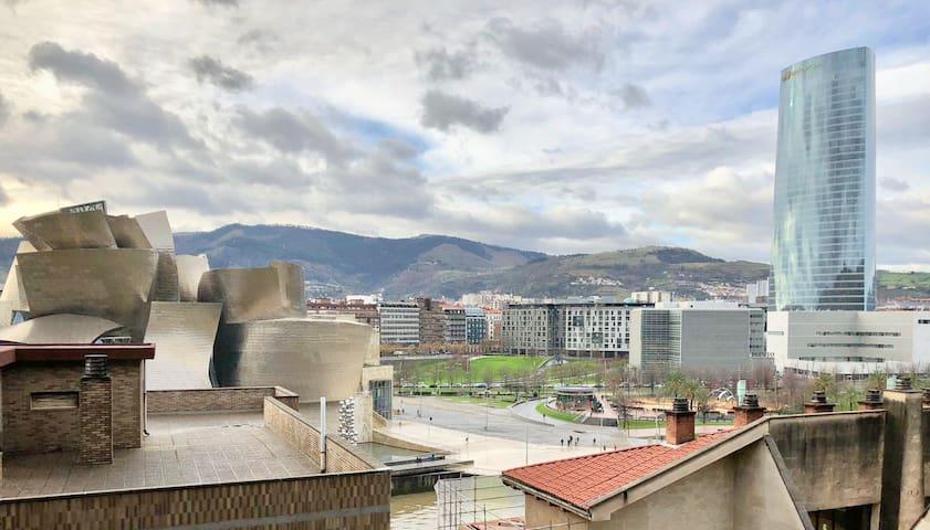 Cozy home with nice views| 3min walk to Guggenheim