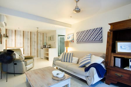 Charming 1brm 'Beachside Apartment' - Cannonvale