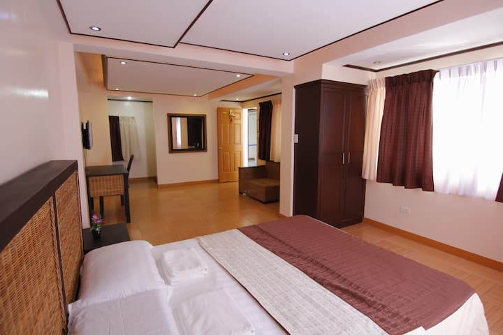 Private AC room in Tiwi (Room 2)