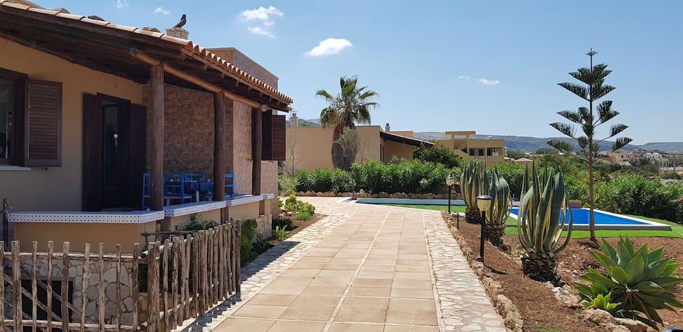 Villa Macarese con  vista mare
