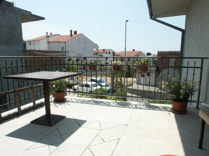 One bedroom apartment with terrace Selce, Crikvenica (A-2404-a)