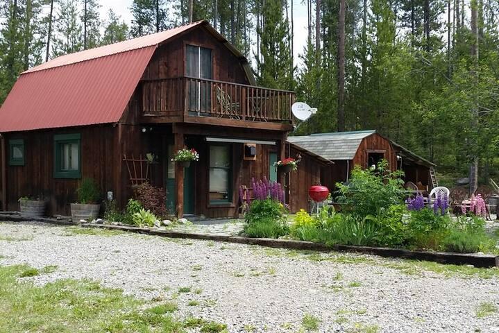 Deluxe Cabin near Glacier Park