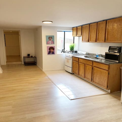 Entire 1 bedroom flat in San Francisco.