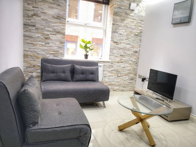 Modern & Comfortable 3 Bed Duplex in Leeds Centre