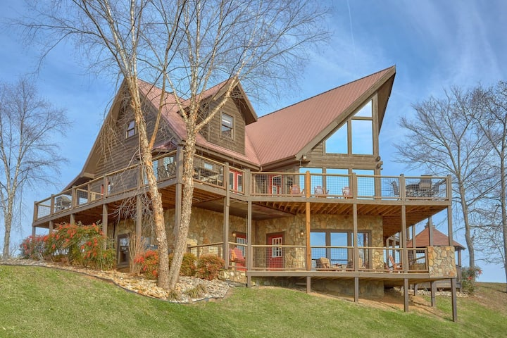 ★★ Luxury 7BR Cabin With Hot Tub, Media+Game Rooms