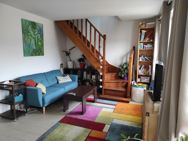 Bedroom in a bright Duplex (10 min from Paris)