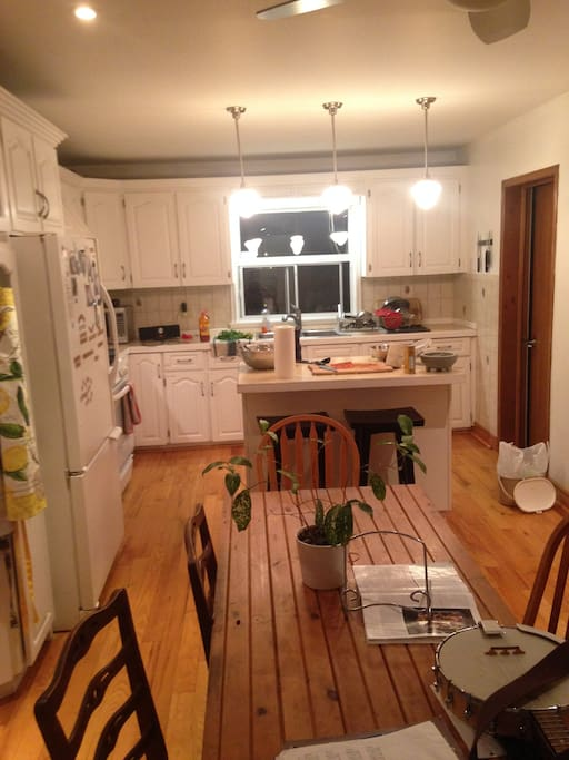 Large kitchen + dining area