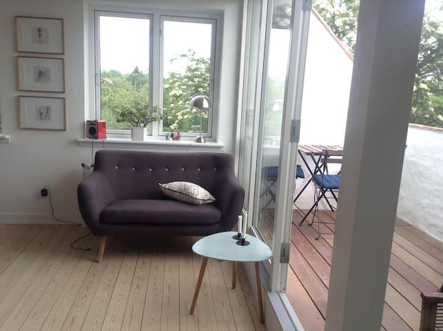 Dining room / balcony