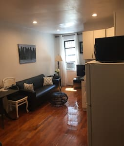 Stylish 1 BD in Garment District - New York - Apartment