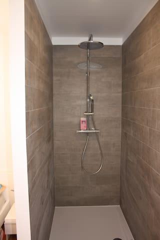 Douche à l'italienne 140*90