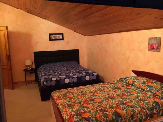 Terza camera da letto: 1 letto matrimoniale e 1 letto da una piazza e mezzo