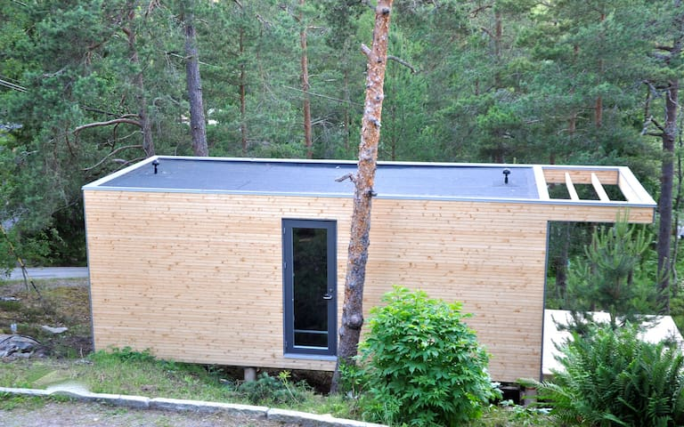 Litet hus i stor natur i Stockholms skärgård