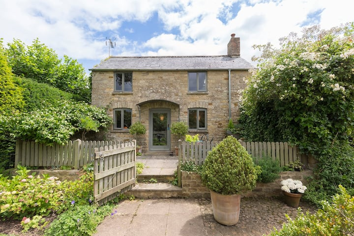 Five Bells Garden Cottage, Bledington, Cotswolds