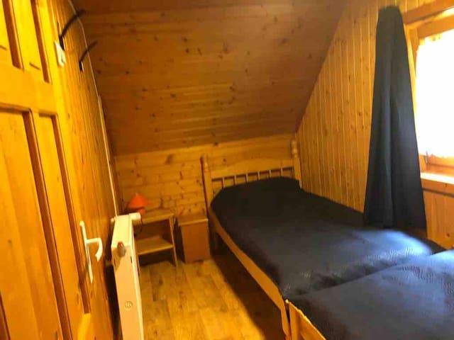 Dormitor 2 persoane - etaj