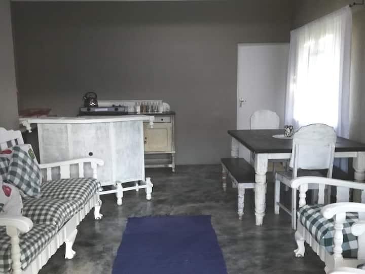 Busisa Family Adventure Retreat: Wisteria Cottage