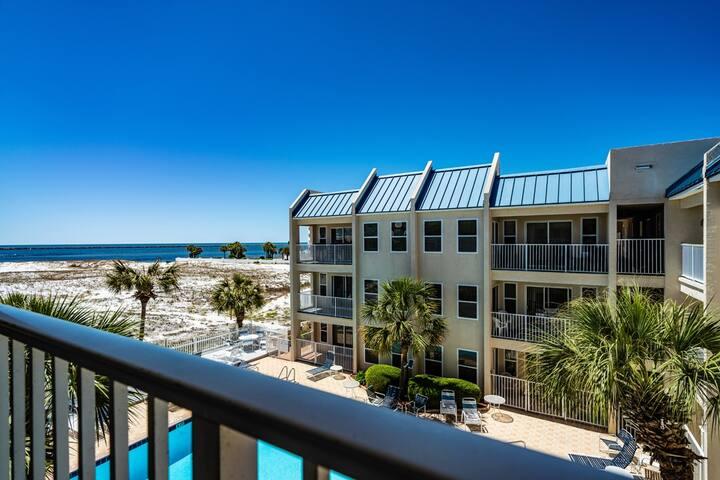 2BR Poolside Condo ~ Great Beach Location!