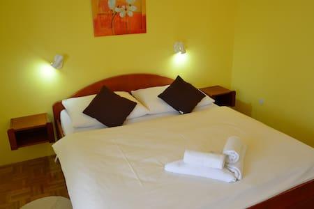 House Hodak Plitvice Lakes Room 8 with balcony - Grabovac