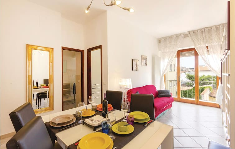 Holiday apartment with 2 bedrooms on 80m² in Viareggio -LU-