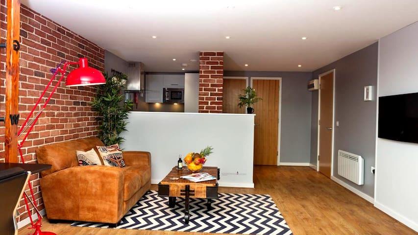 Lucas Apartment
