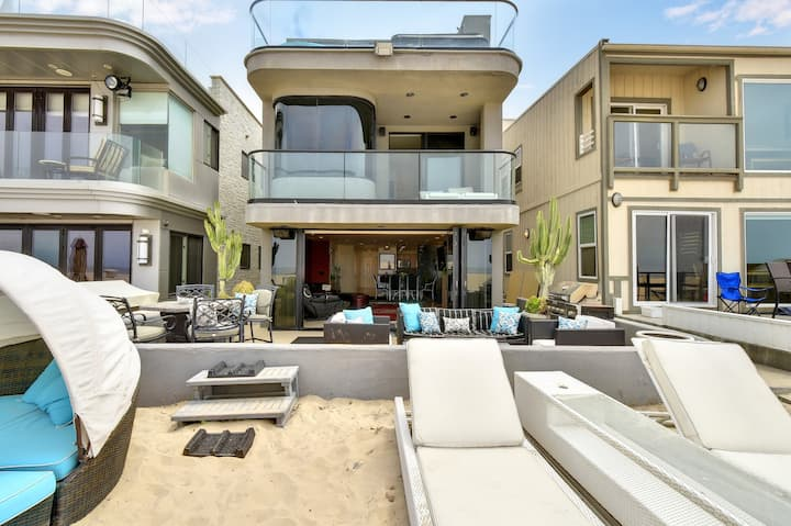 39th St - 3 STORY OCEANFRONT HOME W/ JACUZZI