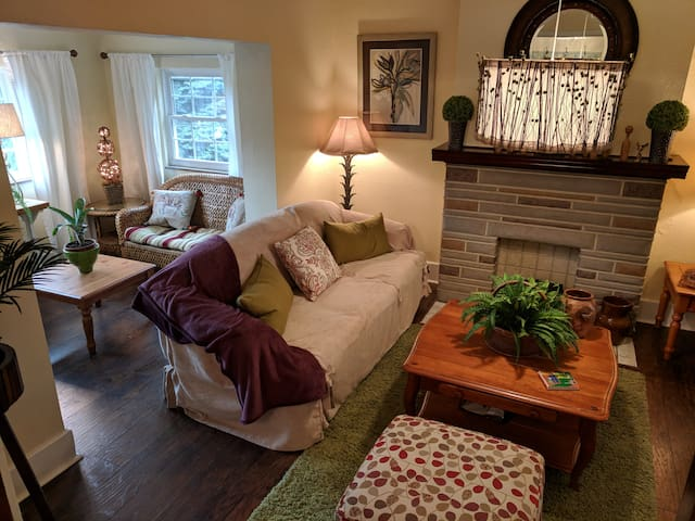Goodnight Moon Guest House: 5 bedrooms