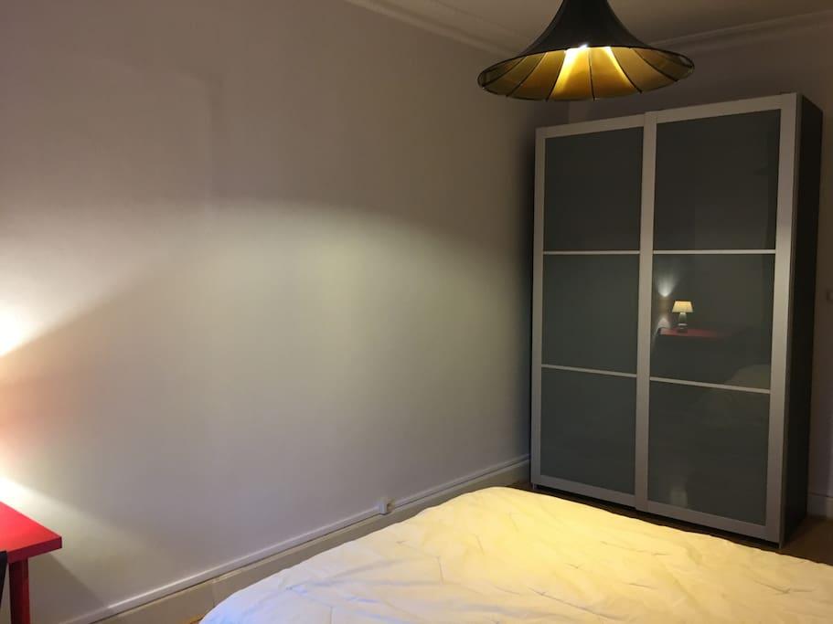 La Chambre et son armoire