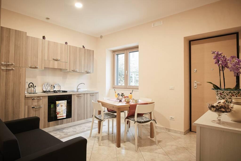 area soggiorno con cucina