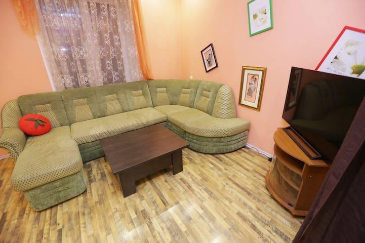 Просторная двухкомнатная квартира - Новокузнецк - Wohnung