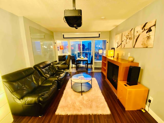 Exclusive & Modern Sky Home Downtown Vancouver