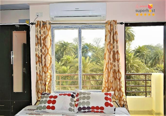 Lake View,Furnished 3BHK Flat near Kasi Vishwanath