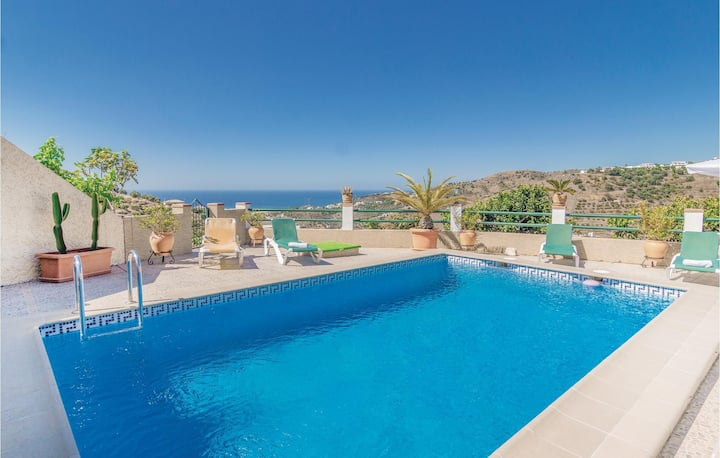 Awesome home in Torrox with WiFi and 3 Bedrooms