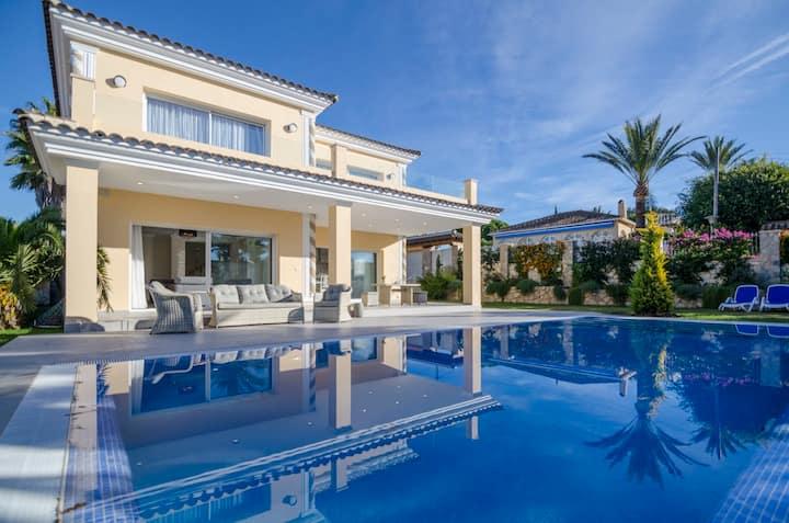 Luxury villa for holidays