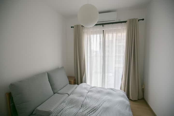 猫筑Aircat·白#万象天地/高新园高层北欧风公寓白色次卧