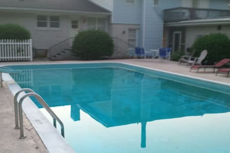 Pool Front Professional Space 2 Be - Florencia
