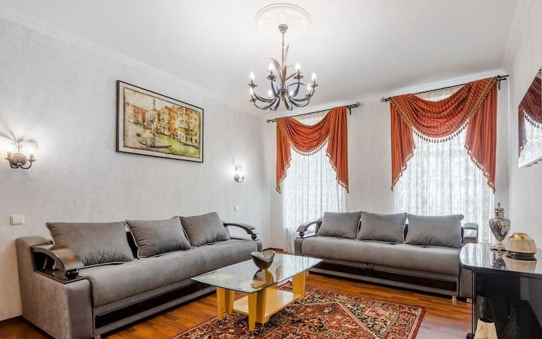 3-к квартира, 109 м², 7/10 эт.