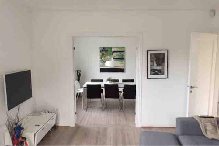 Modern decorated House with cozy garden, Cph