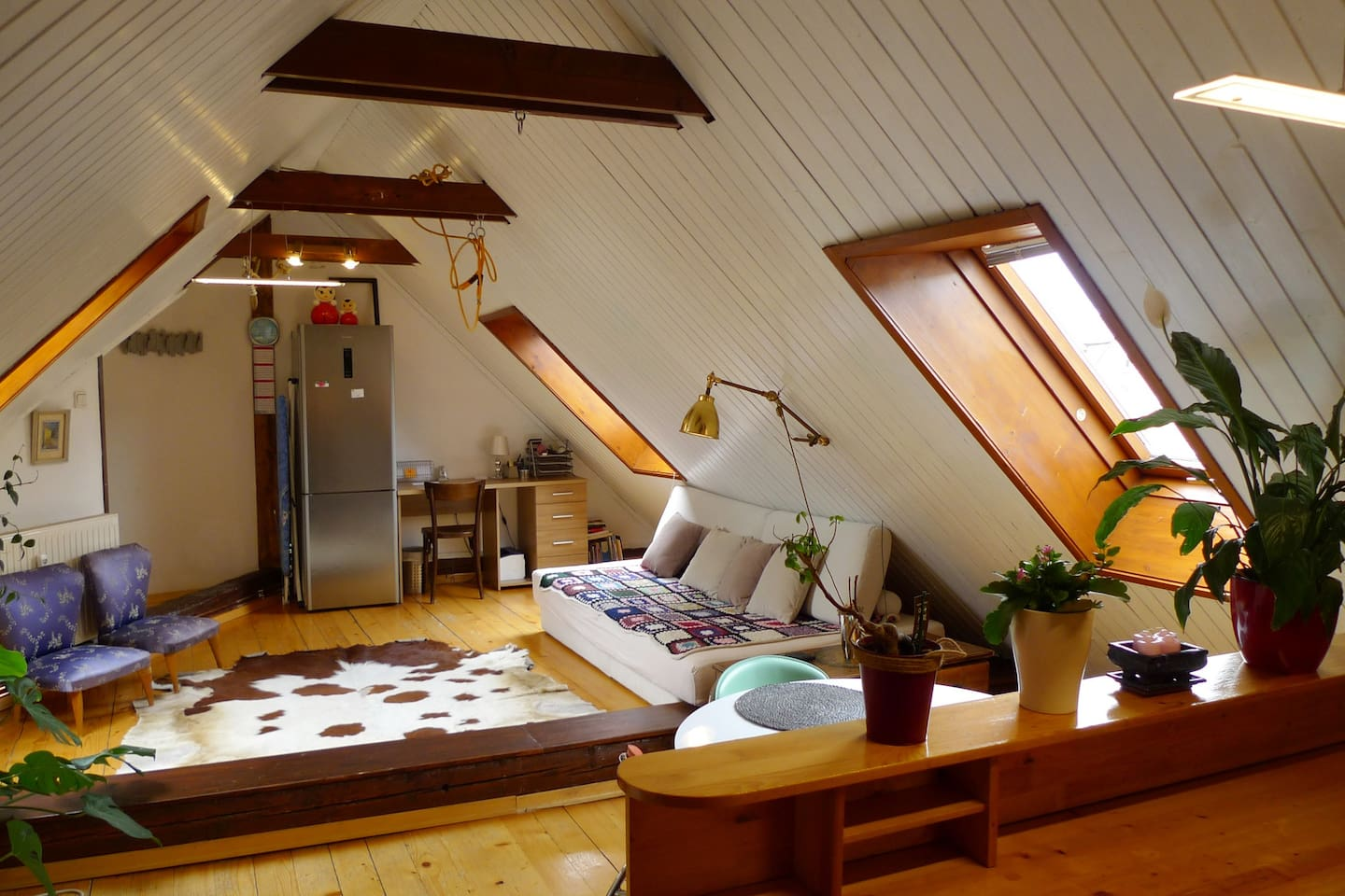 Sitting room like in a traditional mountain hut, but in the heart of Ljubljana! There is a swing and a climbing rope to add to your kid's fun.