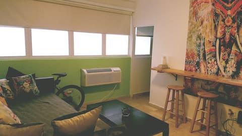 Great Vibe Apt @Condado! Safe, Cozy & Clean