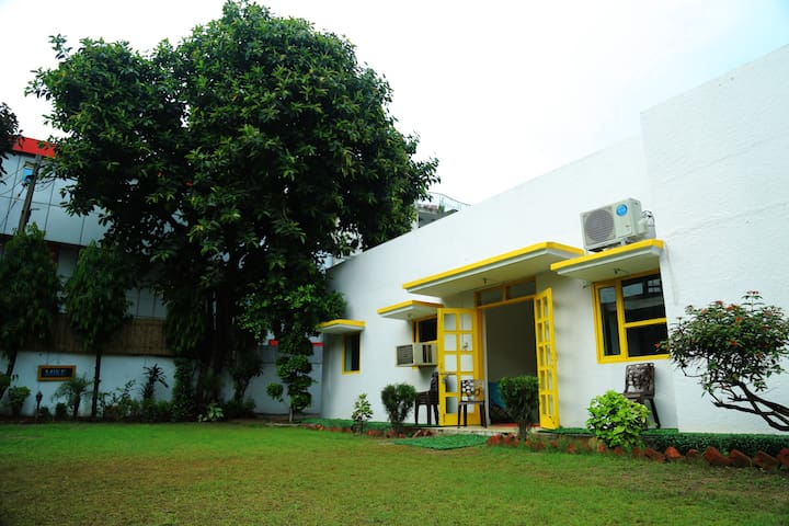 Nivasa Backpackers Hostel