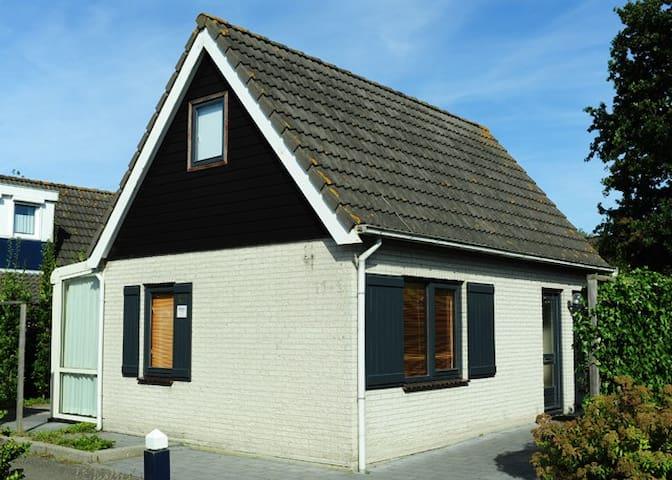 Superhuis op Ouddorp(Noordzeepark) - Ouddorp - House