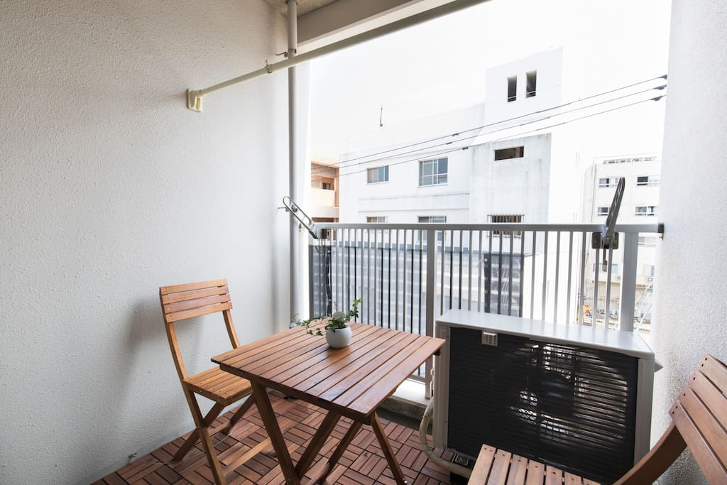 relaxing balcony area with view of Beppu town