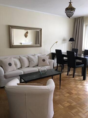 Top ausgestattete sehr zentrale 3 Zimmer Wohnung